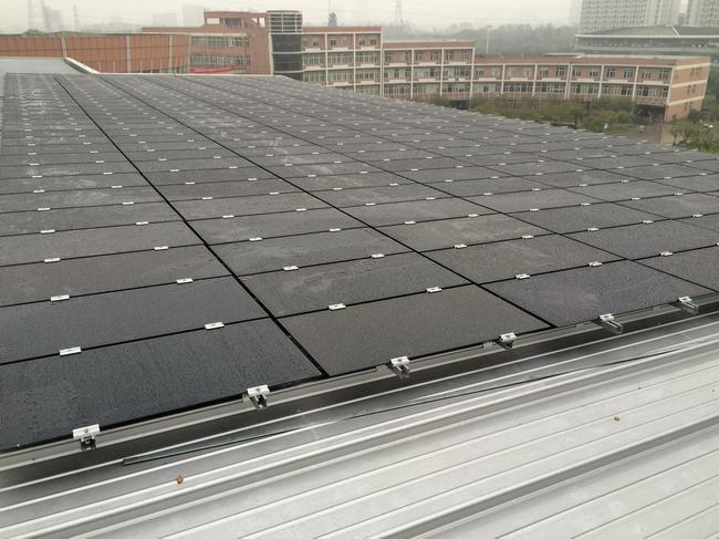 中国计量大学太阳能薄膜发电